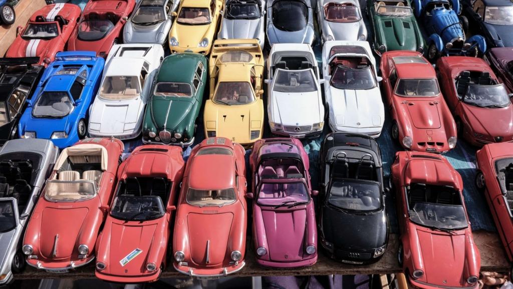 駐車場が混雑している写真